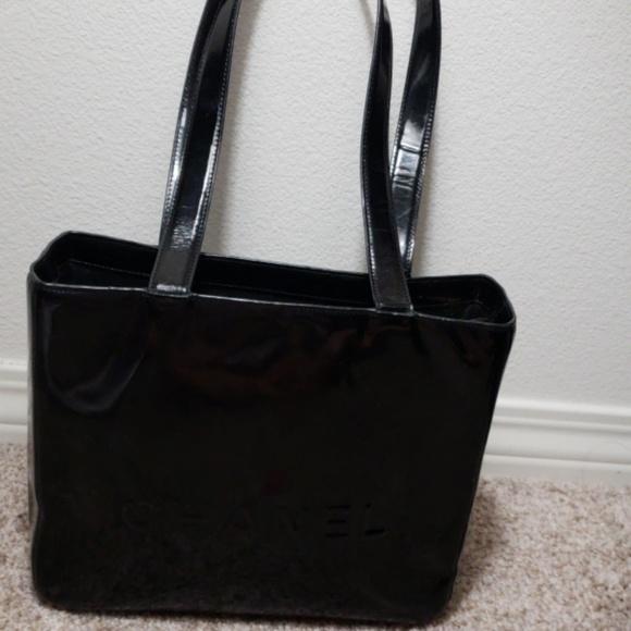 CHANEL Bags   Shoulder Bag   Poshmark e546e08e8d
